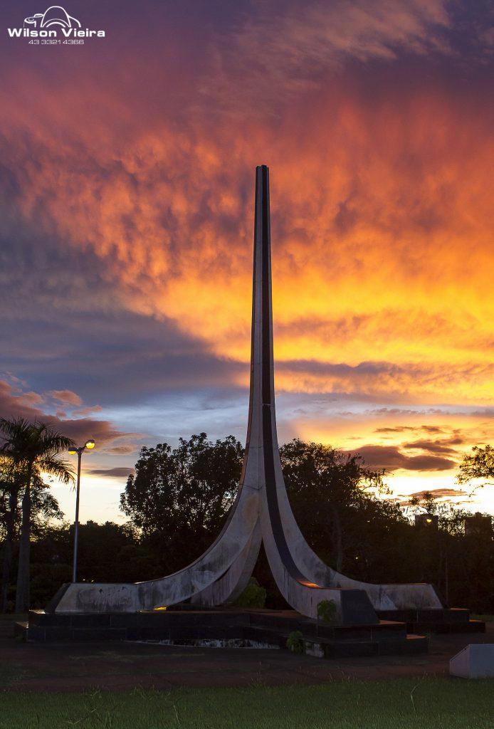 Pontos turísticos de Londrina: Monumento à Bíblia em Londrina
