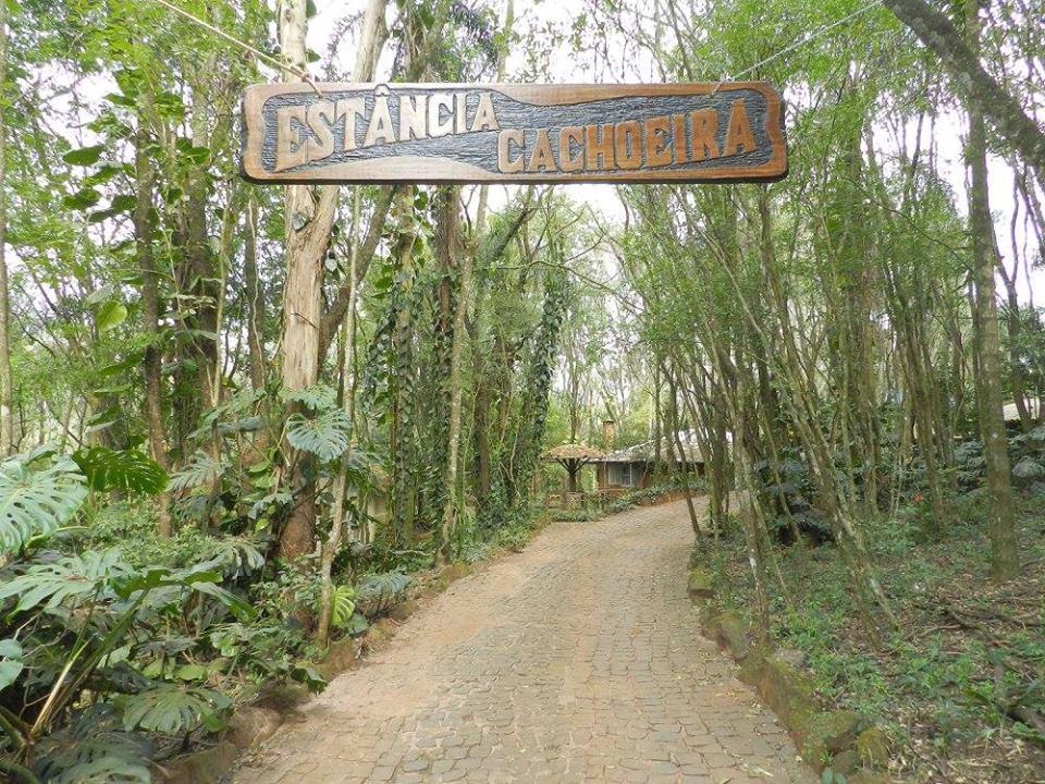Pousadas Rurais: Estância Cachoeira em Tamarana