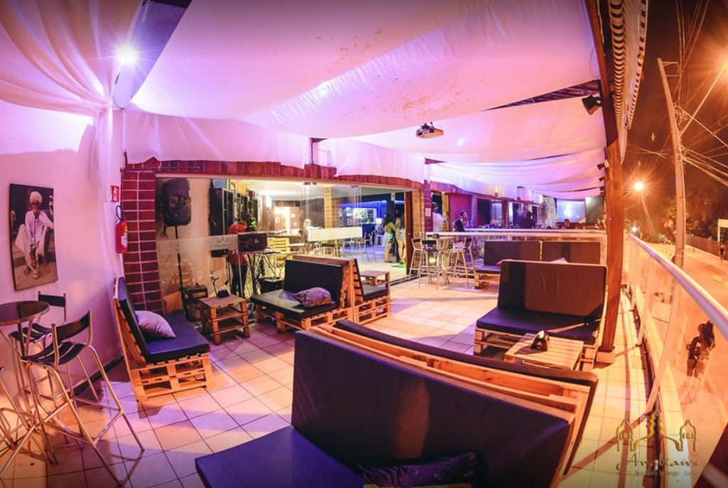 Bares em Londrina: Arabian's Lounge