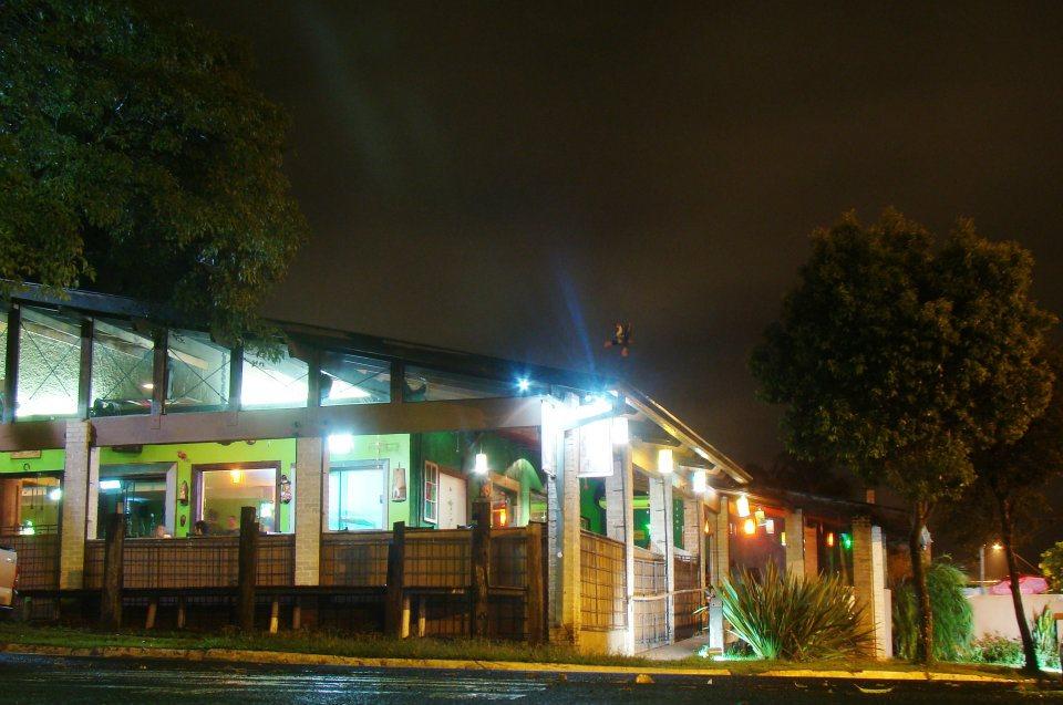 Bares em Londrina: Menina Bar