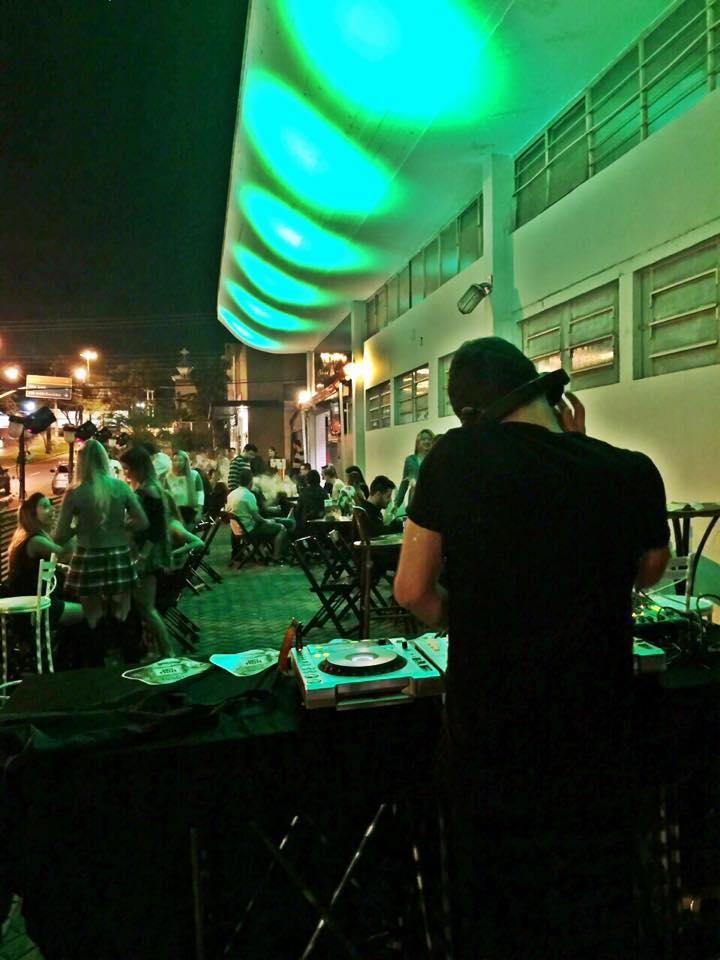 Bares em Londrina: Quisque Garden