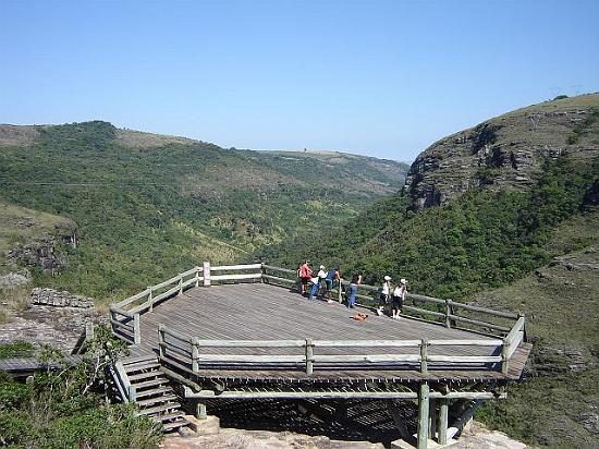 Parque Estadual do Quartelá é opção de turismo de aventura no Norte do Paraná