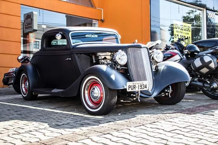 Aurora Shopping abre exposição de carros antigos Motor Show