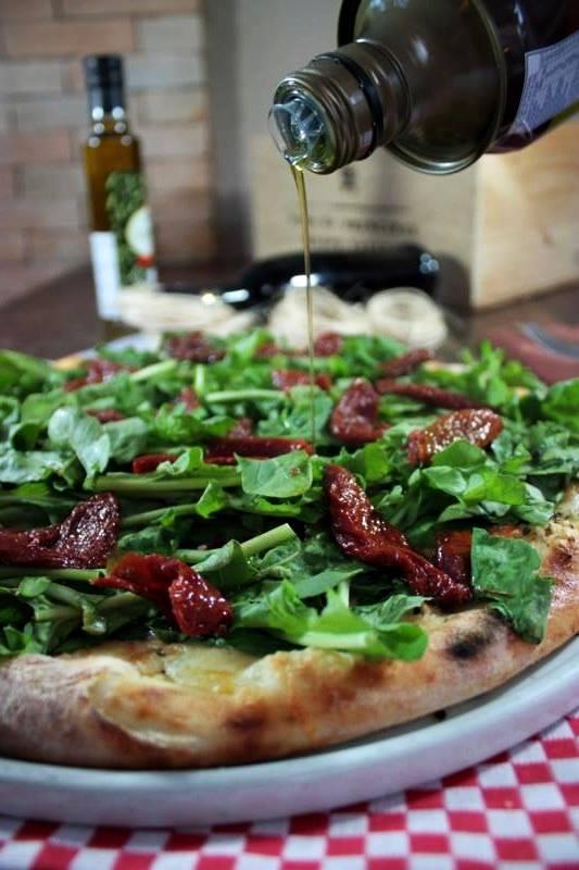 O Casarão está com uma deliciosa promoção de pizza!
