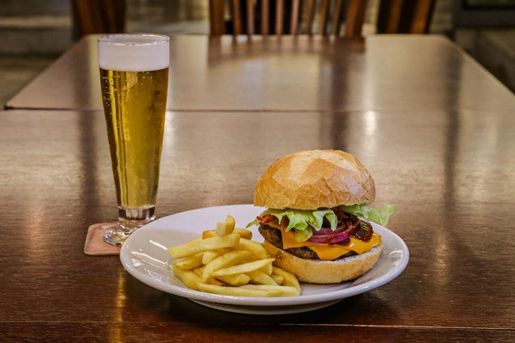 Fest Burger tem dez lanches a preços especiais em Londrina!