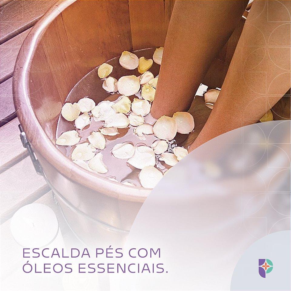 Escalda-pés com óleos essenciais da Farmácia Passiphlora