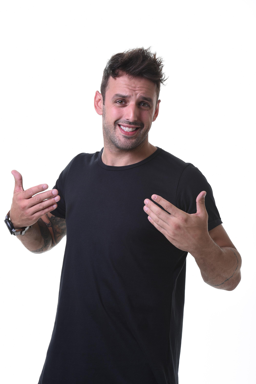 Rodrigo Capella se apresenta no Risorama Londrina