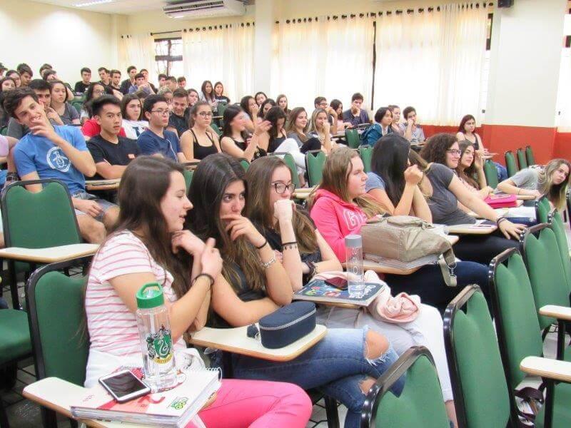 Projeto Eleições no Colégio Universitário