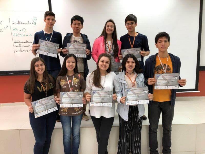 Destaques na Olimpíada de Astronomia do Colégio Universitário foram premiados