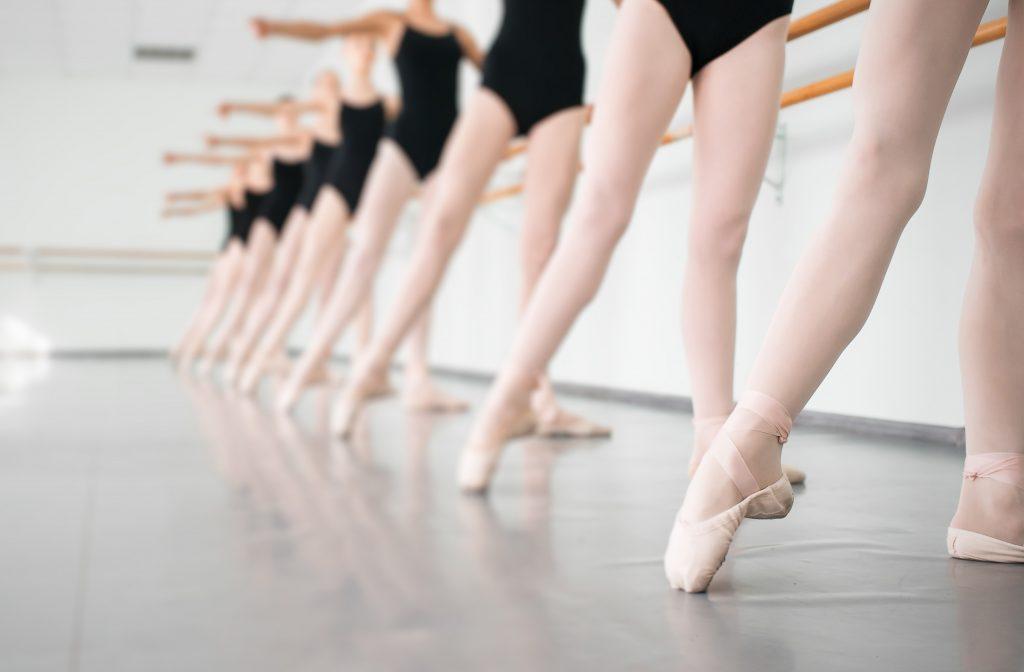 Funcart seleciona crianças para bolsa de estudos em ballet clássico