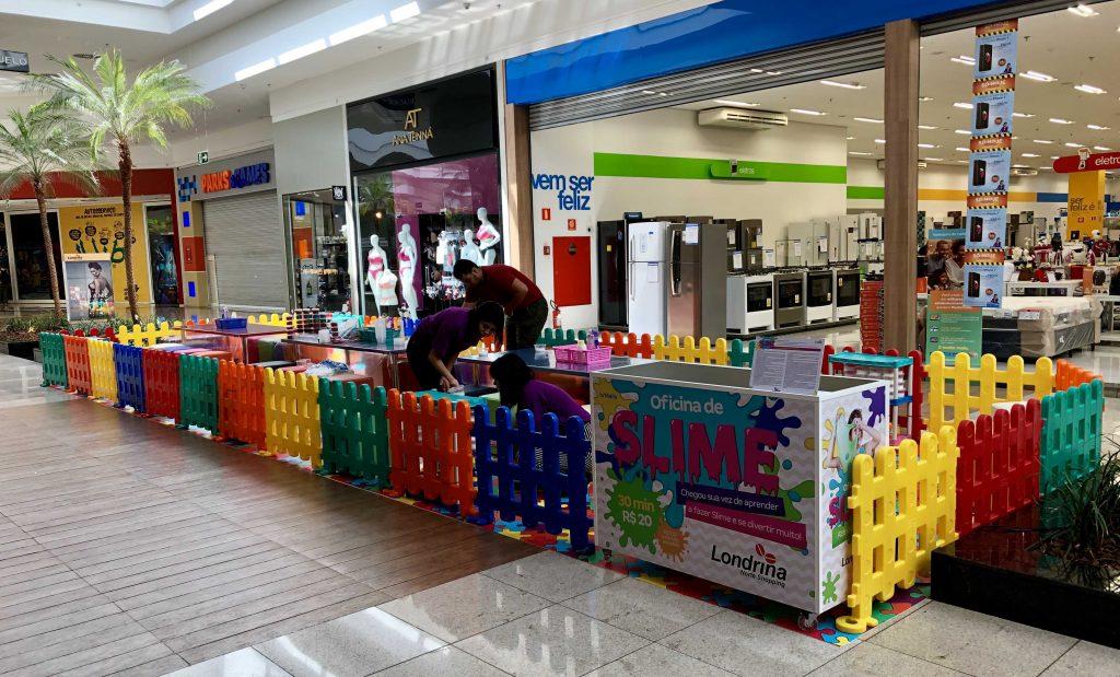 Oficina de slime é sensação no Shopping da zona norte