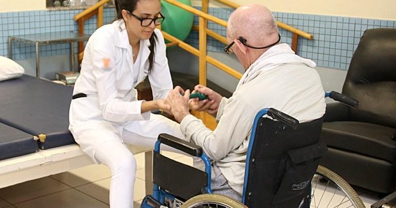 Projeto Casa Dia oferece acompanhamento diário aos idosos
