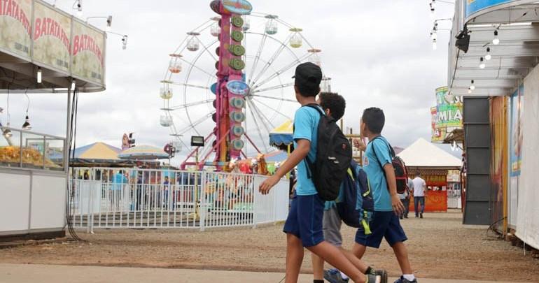 Excursões de escolas municipais levam estudantes para a ExpoLondrina 2019