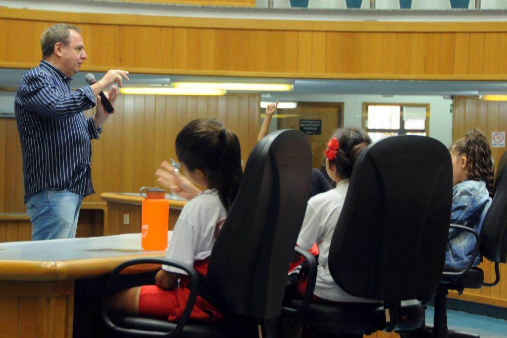 Câmara lança programa para visitas de escolas
