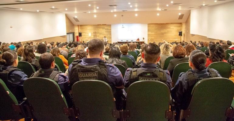 Guarda Escolar participa de seminário sobre enfrentamento às violências contra crianças e adolescentes