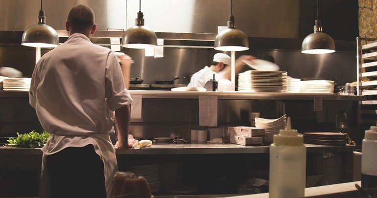 Sine abre 50 vagas para auxiliar de cozinha
