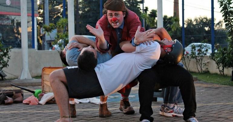 Espetáculo Sub-Solos é atração na Vila Triolé neste domingo