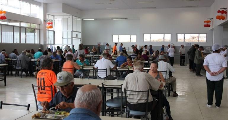 Após reforma Restaurante Popular volta a funcionar