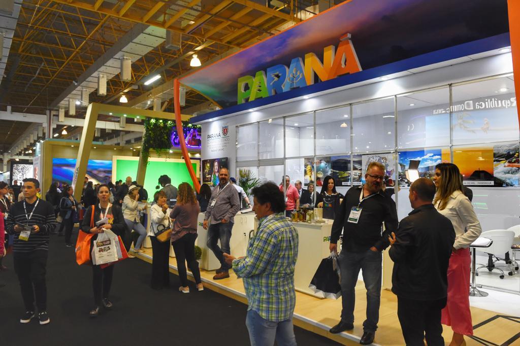 Paraná participa da maior feira de negócios e turismo do Brasil