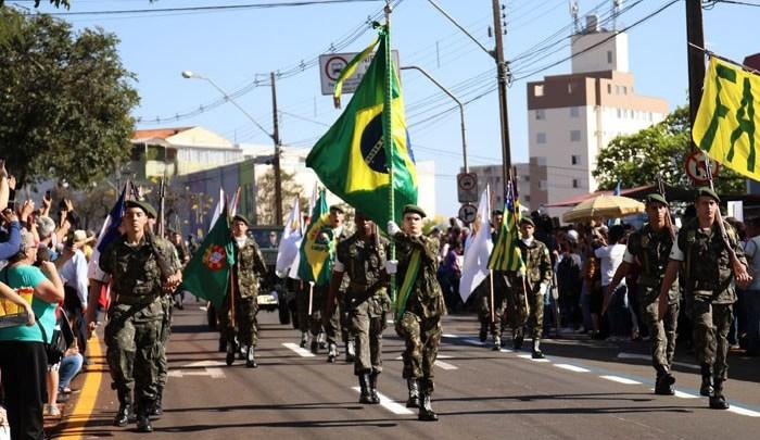 Desfile de 7 de setembro deve reunir 15 mil pessoas neste sábado