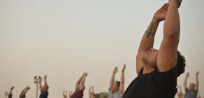 Aulas de Hatha Yoga acontecem na Vila Triolé Cultural