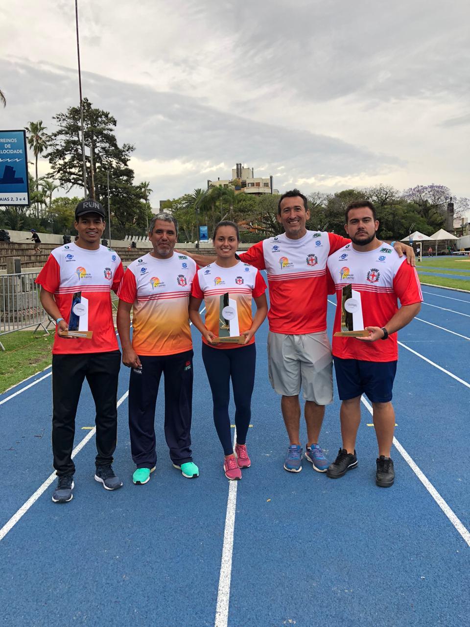 Londrina/FEL/IPEC é campeã brasileira sub-18 de atletismo