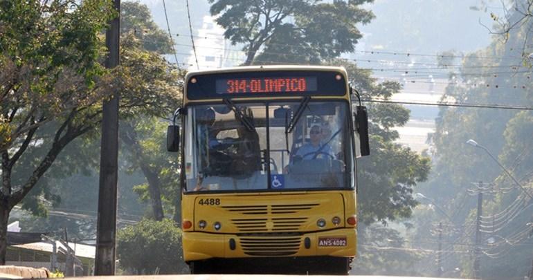 Transporte coletivo funcionará em esquema especial no domingo