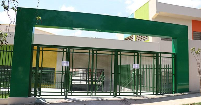 Escolas e creches municipais retomam atendimento ao público a partir de segunda