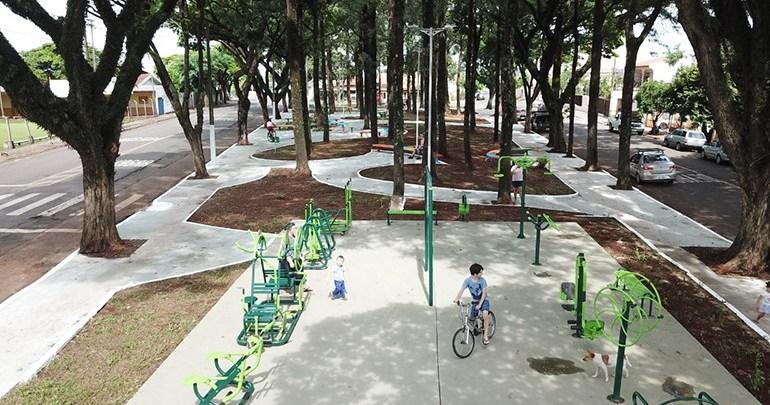 Prefeitura entrega mais duas praças revitalizadas em Londrina