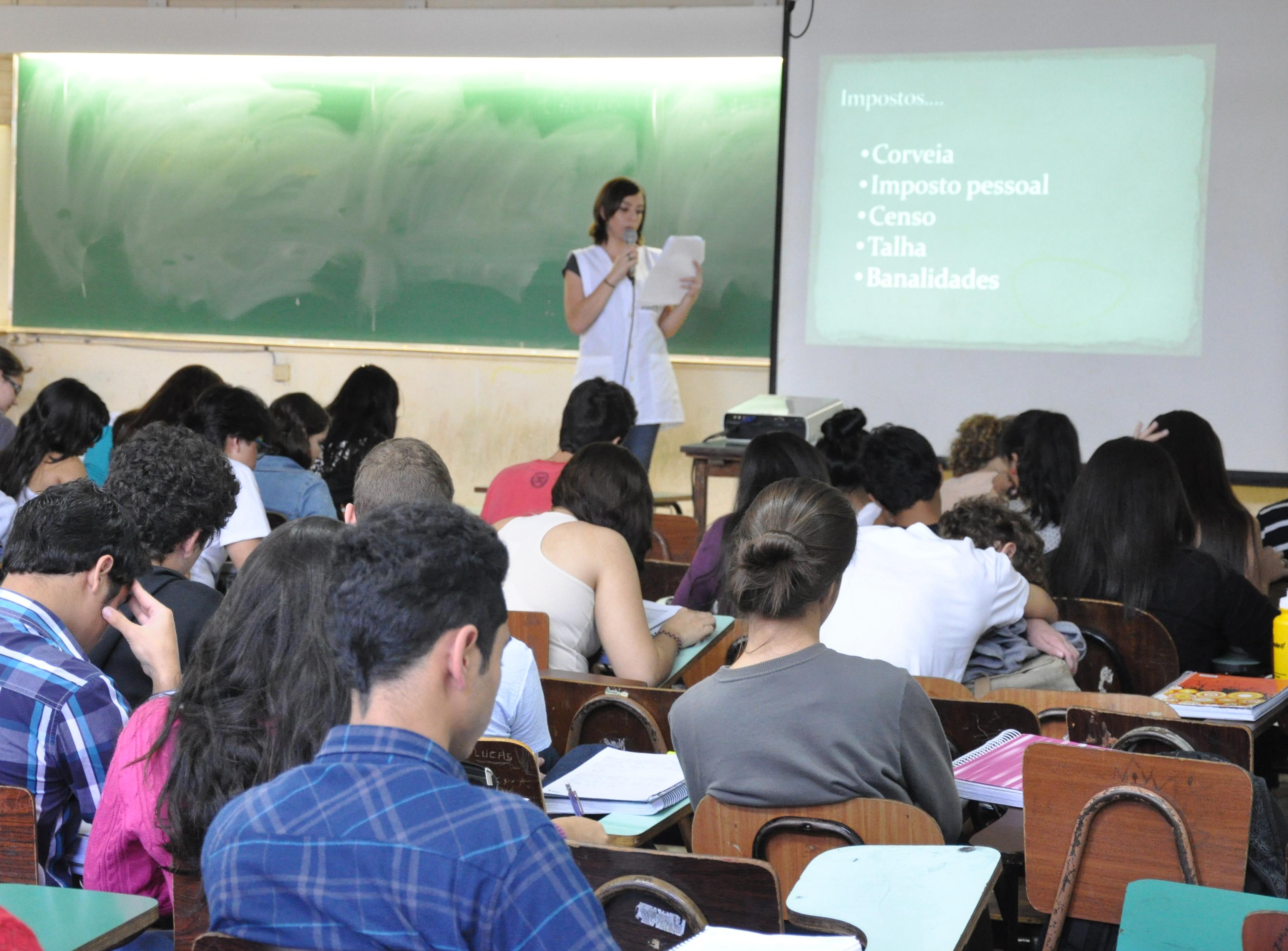 Seleção do Curso Especial Pré-vestibular registra procura de 2.621 candidatos
