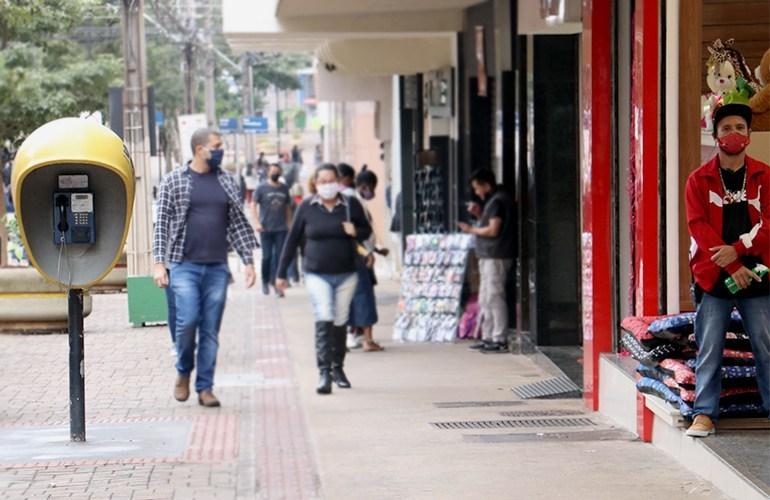 Novos decretos regulamentam a abertura do comércio e bares em Londrina