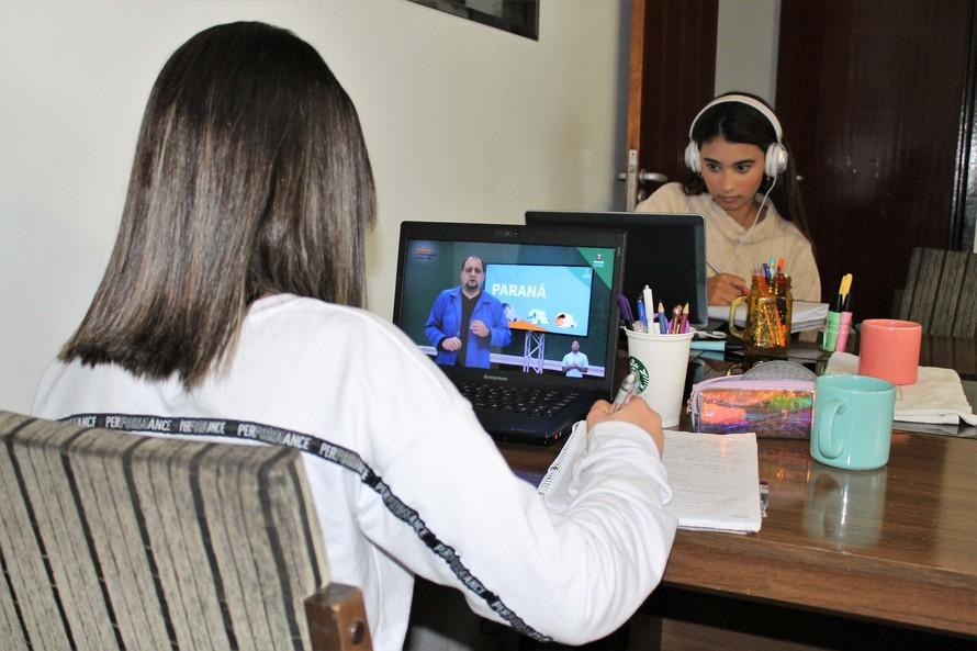 Alunos da rede estadual terão semana de revisão no Aula Paraná