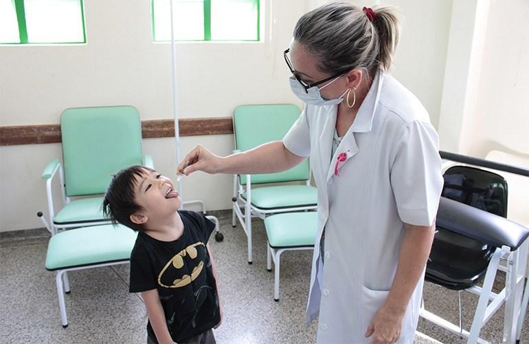 Dia D imuniza quase 2,5 mil contra poliomielite